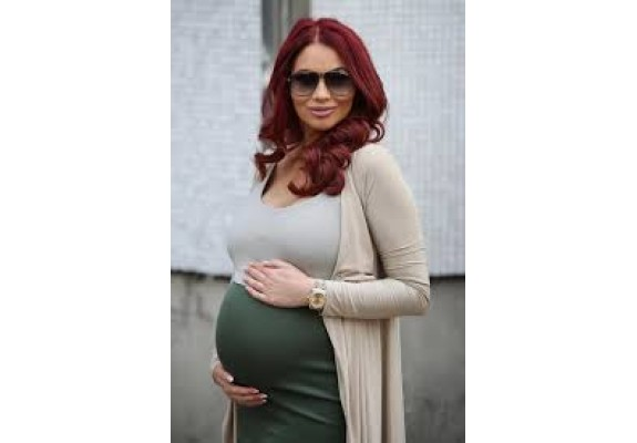 Amy Childs has give birth to a baby girl 01.05.17